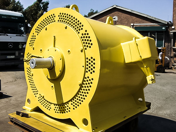 Drehstrom kaefiglaeufermotor IC511 1